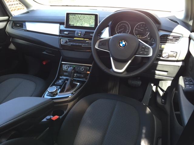 BMW 218i アクティブツアラー 3