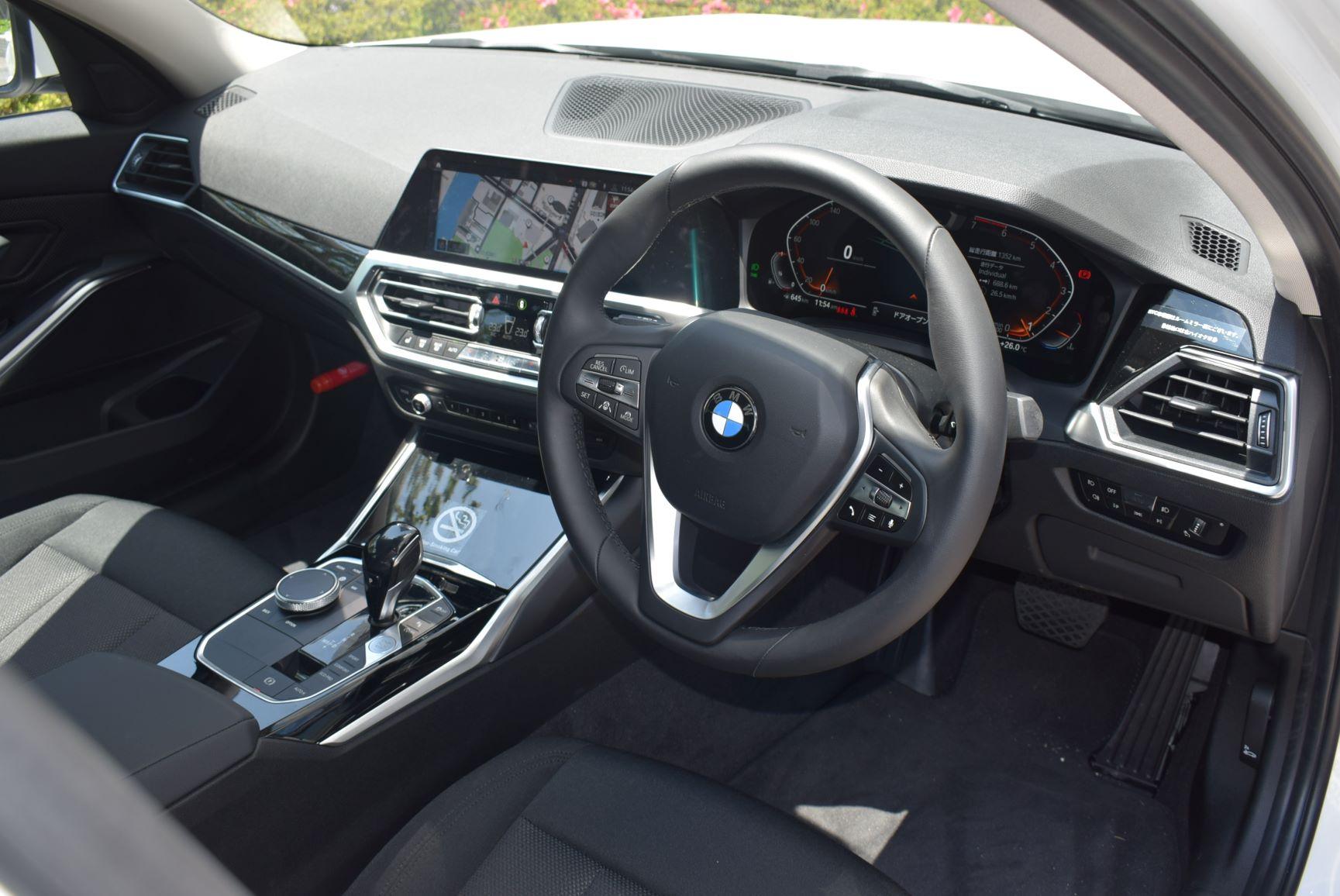BMW320i(2019年モデル) 3