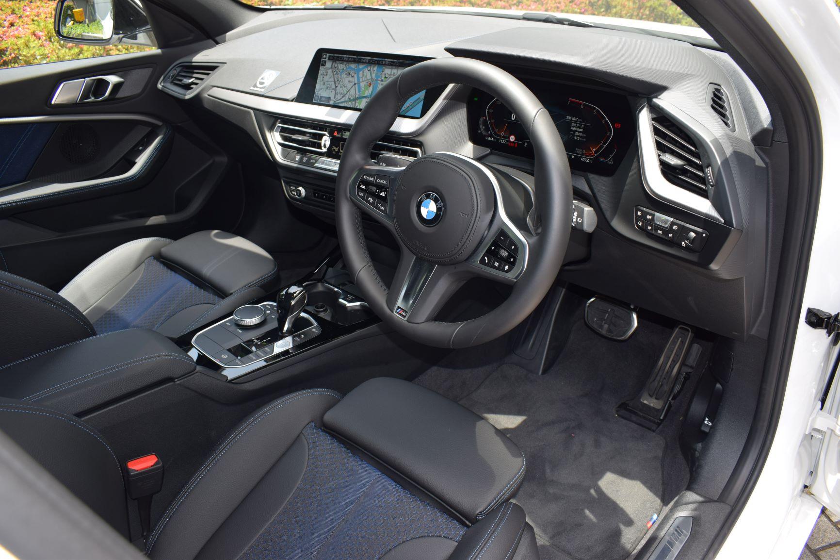 BMW118i M Sport 3